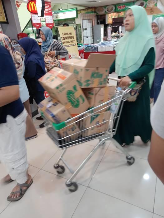 Hari Pertama Larangan Pemakaian Kantong Plastik di Kota Bogor 5