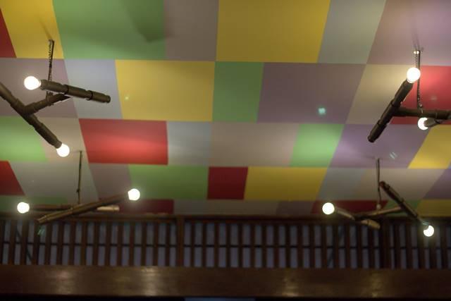 Langit langit di Kafe Seniman Stories B