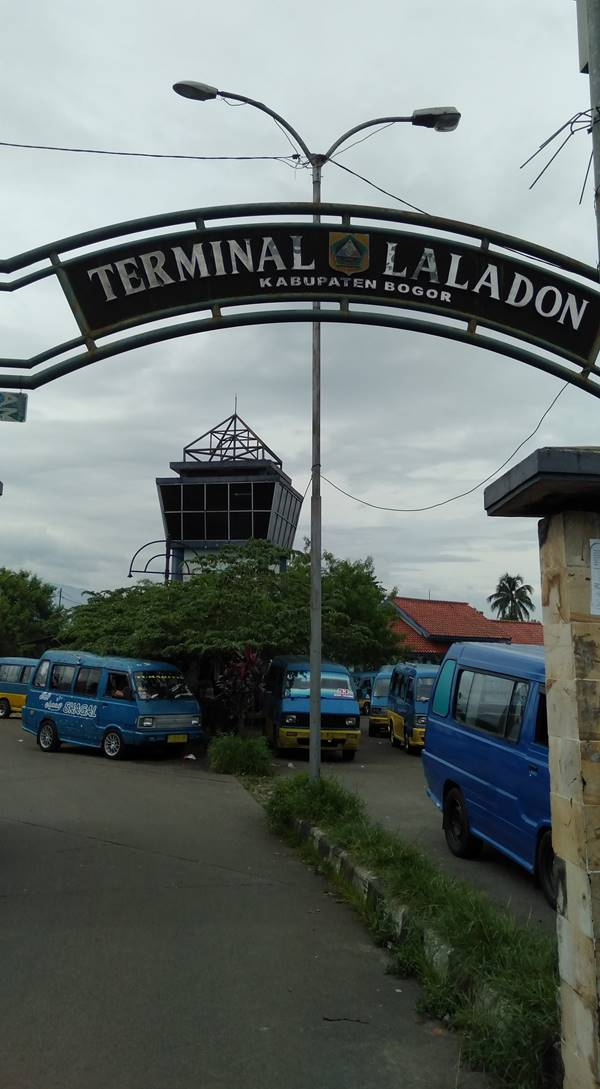 Terminal Laladon - Luarnya Padat Dalamnya Kosong Dan Sepi 3