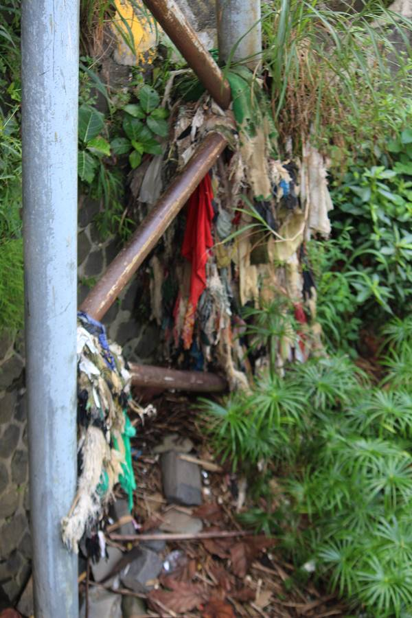 Mau Buang Sampah Ke Sungai - Jangan Deh Bikin Repot Banyak Orang 2