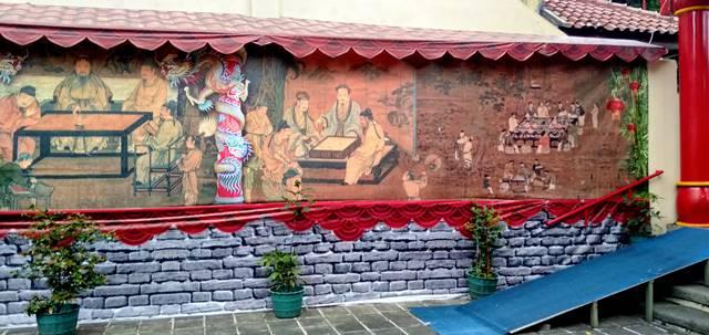 Lukisan Dinding Cantik di Tembok Klenteng Hok Tek Bio CC