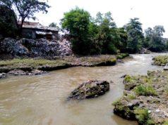 Tumpukan Sampah Di Sungai Ciliwung Ini Hanya Sebagian Kecil Saja A