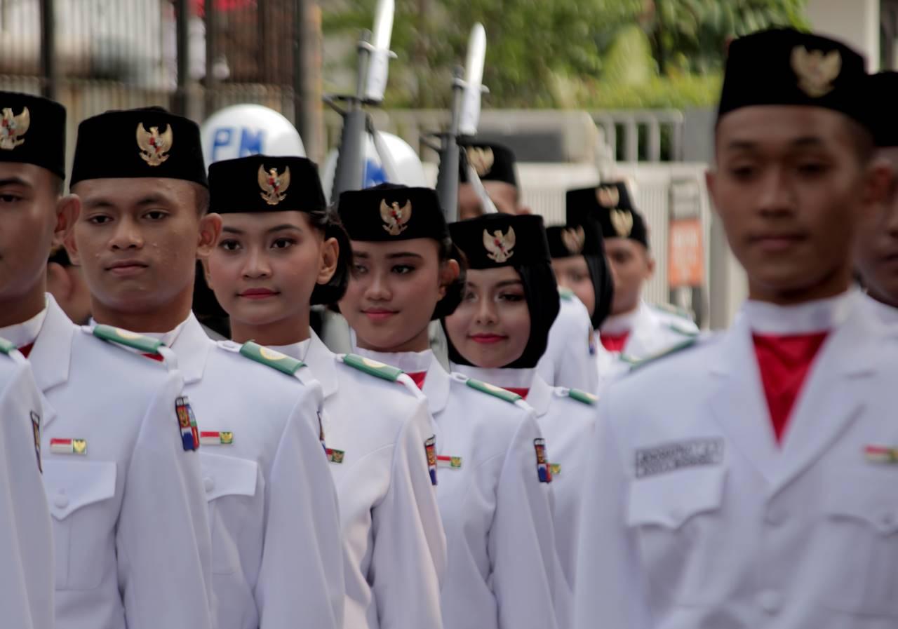 Pasukan Pengibar Bendera Kota Bogor Sedang Beraksi 2