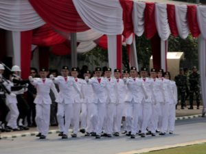 Pasukan Pengibar Bendera Kota Bogor Sedang Beraksi003