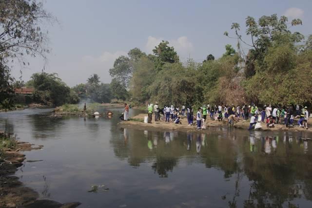Gunung Sampah Kembali Ditemukan Di Sungai Bogor 2