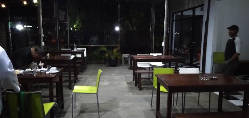 Tata Ruang Rumah Kopi Bogor