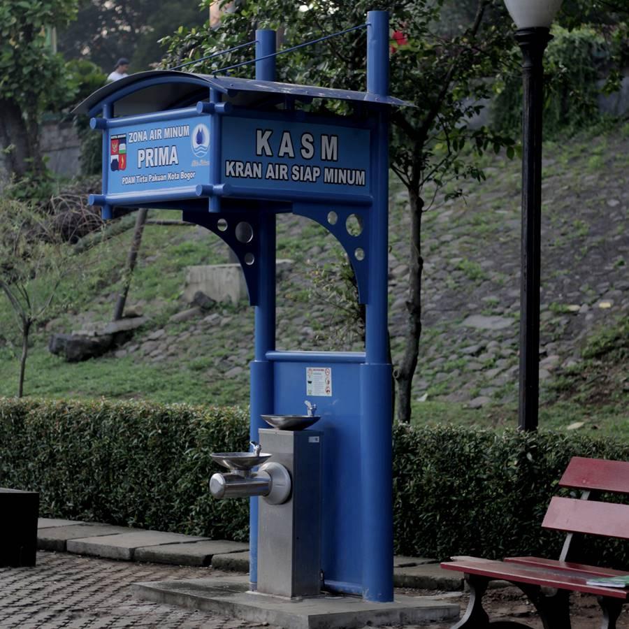 Kran Air Siap Minum Di Lapangan Sempur Bisa Menghilangkan Haus Dan Membuat Bogor Lebih Ramah Lingkungan B