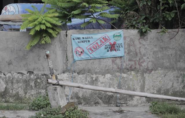 Spanduk Warga Sempur Menolak Pembangunan Hotel Dan Apartemen Di Lokasi Bekas Sempur Park Hotel B