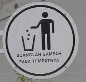 Tata Tertib pengunjung di Lapangan Sempur G - Tanda Buang Sampah Pada Tempatnya
