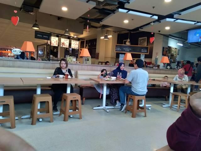 Menumbuhkan Budaya Beberes Setelah Makan Di Tempat Umum - Reffles Foodlife 4