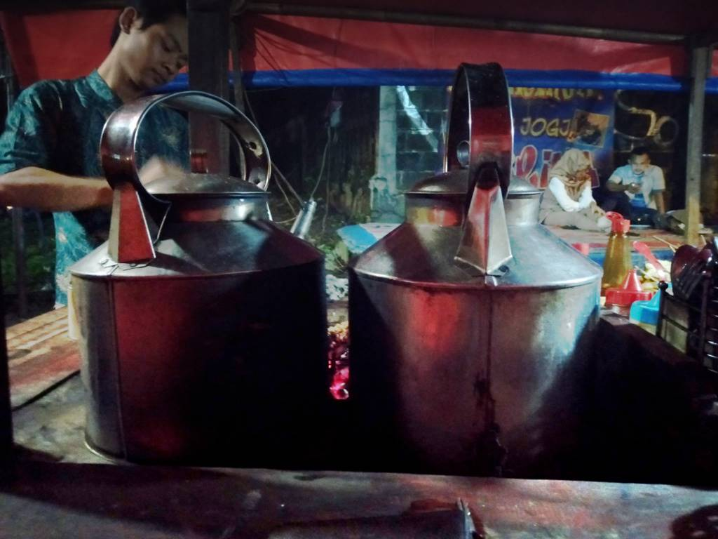 angkringan sabrina secuil Yogya di Taman Air Mancur Bogor