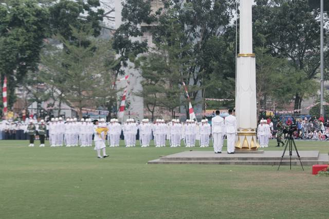 Independence Day Flag Raising Ceremony : We're Gonna Miss It