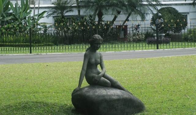 Patung Little Mermaid di Istana Bogor