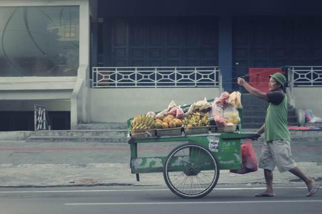 Tukang sayur keliling